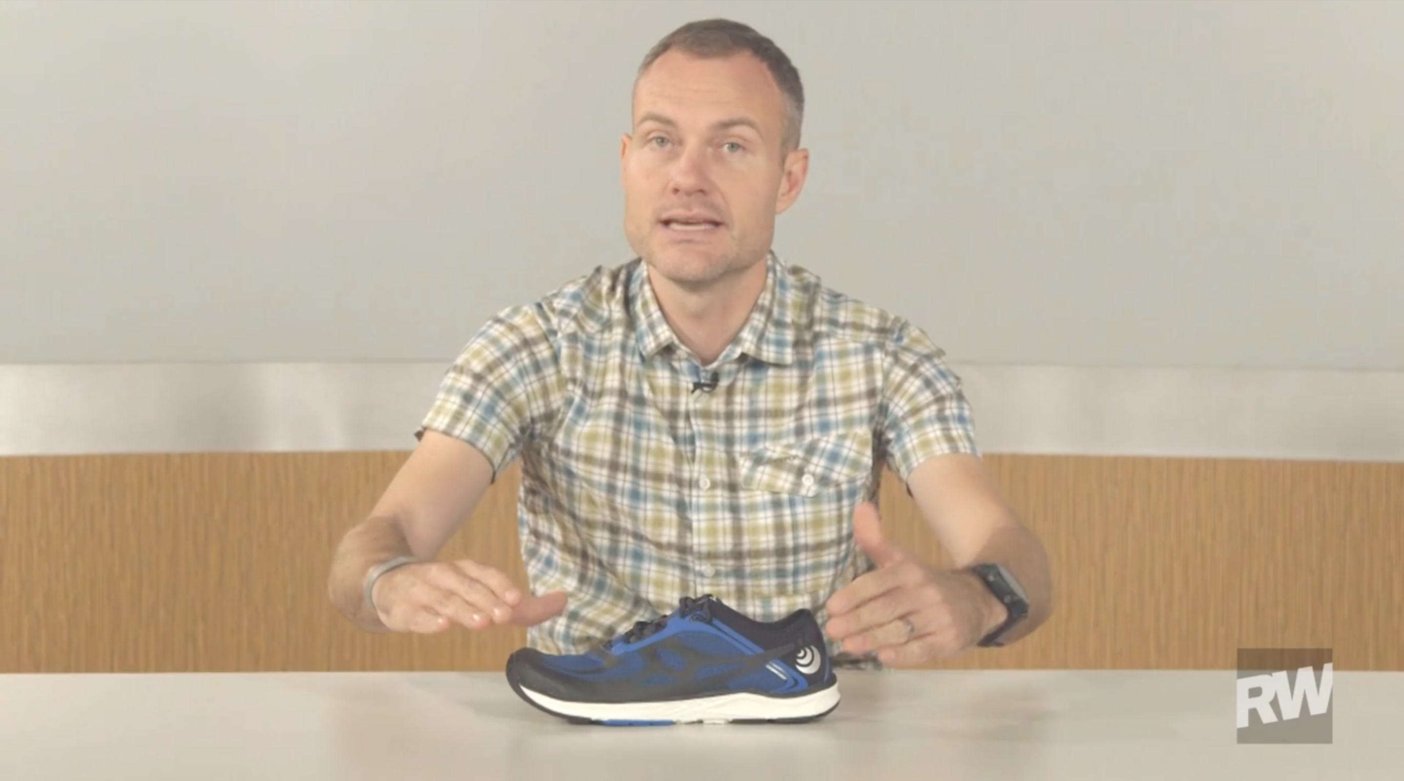 Runner's World - Video Review - ST-2